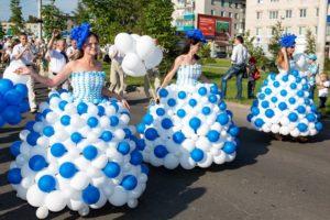 воздушные шары - традиционное украшение на праздник